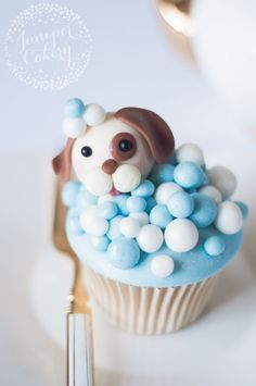 Enjoy a step-by-step tutorial for making these doggone cute puppy dog cupcakes that are simply FUR-tastic. They may look complicated, but we assure you they're not!
