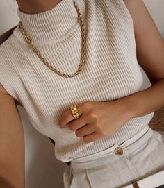 #jewely #goldaccessories #style Nude Outfits, Fashion Outfits, Womens Fashion, Fashion Trends, Casual Outfits, Travel Outfits, Winter Outfits, Fashion Ideas, Fashion Tips