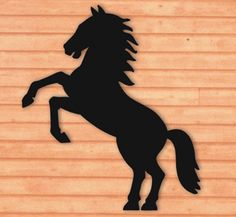 Rearing Horse Shadow Woodcraft Pattern Everyone will do a double take when you display this original silhouette in your yard or on a building! #diy #woodcraftpatterns