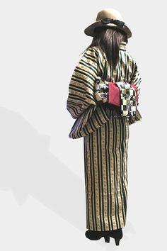 【着物コーディネート】 緑花柄ストライプ着物×ショートブーツ×ハット カジュアルな雰囲気を作れたかな? エンジ色の帯が映えます。 http://www.chuins.jp #着物 #コーディネート #ショートブーツ