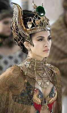 "Elodie Yung - ""Gods of Egypt"" - Costume designer : Liz Keogh Elodie Yung, Egyptian Costume, Egyptian Art, Egyptian Beauty, Athena Costume, Medusa Costume, Costume Original, Egyptian Fashion, Ancient Egypt Fashion"