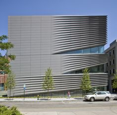 Brown University Granoff Center for Creative Arts, Providence Rhode Island (USA) by Diller Scofidio and Renfro The project won the Honor Award of Excellence in Architecture from the US Society of College and University Planners. The project is LEED Gold rated.  #QuartzZinc #Architecture #USA #University #LEED #Alcoa #Façade #Composite #Cladding