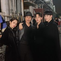 They are brave and so coordinated. They all look like Grim Reaper although 😂😂😂 Episode 14 Choi Seo Hee, Korean Celebrities, Korean Actors, Po Block B, Hyuna Red, Pyo Jihoon, Netflix, Jin Goo, O Drama