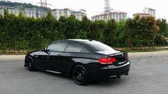 Black BMW E92 3