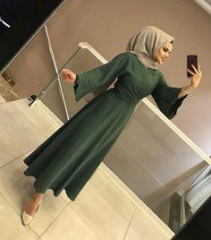 osmanbey between - Hijab Clothing Hijab Evening Dress, Hijab Dress Party, Hijab Style Dress, Hijab Outfit, Modern Hijab Fashion, Muslim Fashion, Fashion Model Sketch, Fashion Sketches, Modele Hijab