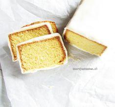 Een simpele cake gecombineerd met een lekkere plak marsepein: een marsepeincake. Een hele lekkere, zoete combinatie dus kijk gauw op Doortjes Keuken!