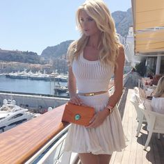 """arabiceyes: """" That Sexy, Classy lifestyle """" Classy Outfits, Casual Outfits, Fashion Outfits, Womens Fashion, Victoria Silvstedt, Elegant Outfit, Up Girl, Mode Style, Street Style Women"""
