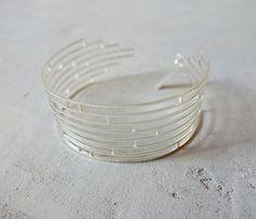 bracelet manchette doré de Shlomit Ofir