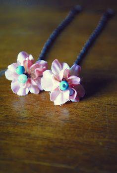 Dainty Floral Drop Earrings Tutorial #jewelry #DIY
