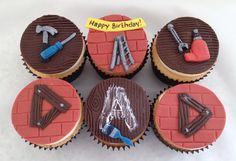 Do It Yourself Dad cupcakes