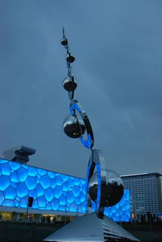 """This """"Dance with the Wind"""" sculpture was commissioned for the 2008 Beijing Olympics. Adjacent to the Water Cube aquatic pavilion, it has since become famous. Wind Sculptures, Sculpture Art, Beijing Olympics, Kinetic Art, Artist Names, Public Art, Continents, Installation Art, February 2016"""