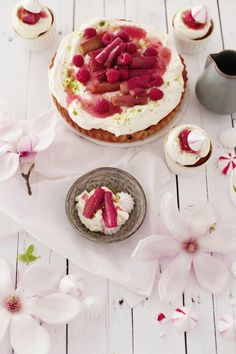 Rhubarb cake with cardamom vanilla rhubarb cream