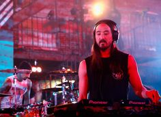 """Steve Aoki Photos Photos - Musician Steve Aoki performs onstage during MTV's """"Wonderland"""" LIVE Show on October 13, 2016 in Los Angeles, California. - MTV's 'Wonderland' LIVE Show - Thursday, October 13, 2016"""