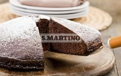 TORTA DI CIOCCOLATO 1 pack of Miscela per le Torte (our Mix for cakes), 200 g of butter, 3 eggs, 200 g of dark chocolate, 3 spoons of sugar, Icing Sugar. The Chocolate Cake, with the unique flavour of our selected chocolate. #dessert #cake #chocolate #ilovesanmartino