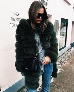 310e804980e3 kožušinový kabát faux fur coat winter zima fashion móda style štýl outfit  ootd model street style