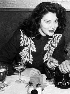 "wehadfacesthen: ""Ava Gardner enjoying herself at the Stork Club, New York, 1945 "" Hollywood Cinema, Old Hollywood Stars, Old Hollywood Glamour, Golden Age Of Hollywood, Vintage Glamour, Vintage Hollywood, Vintage Beauty, Hollywood Actresses, Classic Hollywood"