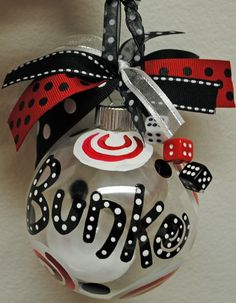 Bunko Ornament could use cricut.I'm thinking Christmas gifts for my bunko group Christmas Projects, Holiday Crafts, Christmas Holidays, Christmas Ornaments, Christmas Bingo, Christmas Ribbon, Glass Ornaments, Holiday Ideas, Christmas Decor
