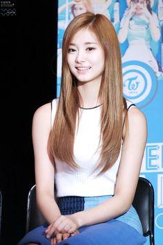 Tzuyu - Beautiful K-pop Star - Asian Aphrodites Pretty Asian, Beautiful Asian Girls, Korean Beauty, Asian Beauty, South Korean Girls, Korean Girl Groups, Idol, Ulzzang Girl, New Girl