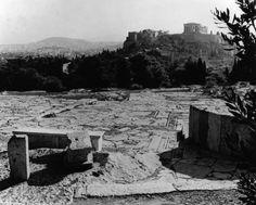 Διαμόρφωση του χώρου γύρω από την Ακρόπολη και τον Λόφο του Φιλοπάππου, 1954-1958 by Dimitris Pikionis