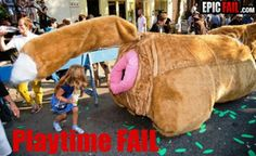 15 Funny and Inappropriate Playgrounds Funny Baby Images, Funny Pictures For Kids, Funny Animal Pictures, Funny Kids, Funny Animals, Fail Pictures, Funny Shit, Funny New, Funny Stuff