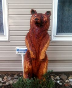 Chainsaw carved bear, 1st one done. Sealed with timber oil. http://www.carving-dreams.com/chainsaw_carvings.html