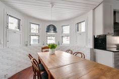 Myytävät asunnot, Tuohustie 23, Helsinki #oikotieasunnot #ruokailutila #diningroom Decor, Furniture, Room, Dining, Table, Home Decor, Dining Room
