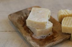 How to Make Old Fashioned Tallow Soap: Traditional Homesteaders would regularly make their own soap with Tallow or Lard. The fat they would collect from raising their own animals on the farm would certainly not go to…