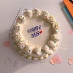 Pretty Birthday Cakes, Pretty Cakes, Beautiful Cakes, Amazing Cakes, Birthday Cake Designs, Cake Birthday, Mini Cakes, Cupcake Cakes, Simple Cake Designs