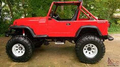 1989 Jeep Wrangler YJ body. has chevy 350 engine. 38 pro bogger tires. dana 44 front and dana 70 rear. 4 speed manual transmission.
