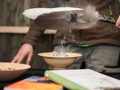 #Räucherwelt #räuchern #Räucherwerk #Räucherzubehöhr #Kohle #Sand #Gefäße #Jahreskreisräucherungen #Harze #Balsame #Duftstäbchen #Räucherkegel #Erlebnisgärtnerei #Hödnerhof #Ebbs #Mils #Innsbruck #Gärtnerei #Eigenproduktion #Zimmerpflanzen #Gartenpflanzen #Saisonpflanzen Innsbruck, V60 Coffee, Coffee Maker, Kitchen Appliances, Garden Plants, House Plants, Diy Kitchen Appliances, Home Appliances, Drip Coffee Maker