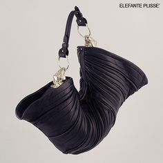 Elefante bag by Arnoldo Battois for limited/unlimited Luxury Bags, Clutch Bag, Sewing Tutorials, Purses And Bags, Handbags, Accessories, Brown Lip, Label, Bags Sewing