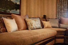 Traditional style family room in Severna Park,, Maryland. #Designer Lena Kroupnik #lenakroupnik #interiordesigner #windowtreatments #customdraperies Designer Lena Kroupnik http://www.lenakroupnikinteriors.com/