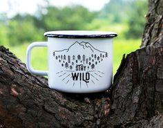 Camping Becher Travel Mug Emaille Becher von nokkvalley auf Etsy