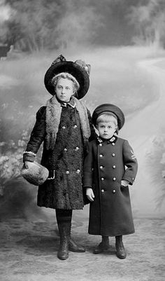 +~+~ Antique Photograph ~+~+  Siblings all dressed up
