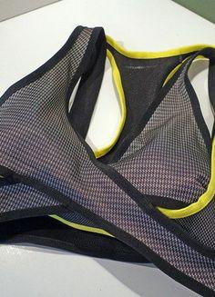Kaufe meinen Artikel bei #Kleiderkreisel http://www.kleiderkreisel.de/damenmode/tops-and-t-shirts/144737434-alexander-wang-hm-kollektion-sport-bh-fitnesstop-grosse-38-schwarzsilbergelb