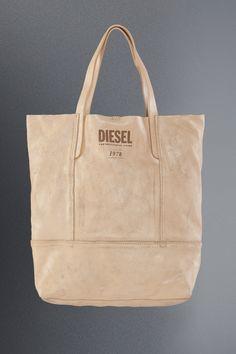 Diesel hodinky nájdete na http://www.1010.sk/kategoria/diesel/damske-hodinky-diesel/