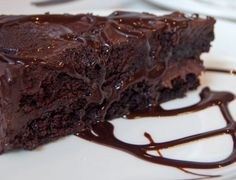 This Dutch Oven Triple Chocolate Cake Recipe takes the difficulty out of cooking a chocolate cake in a dutch oven. Visit us for more. Sweet Recipes, Cake Recipes, Dessert Recipes, Pudding Recipes, Dessert Ideas, Magic Bean Cake, National Chocolate Cake Day, Gluten Free Chocolate Cake, Bean Cakes