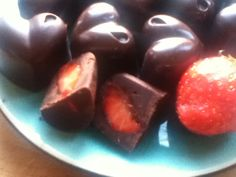 Chocolate dipped strawberries using ice cube tray or mold....brilliant!