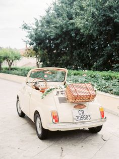 Fiat 500, Carros Retro, Combi Ww, Vw Vintage, Old Classic Cars, Jolie Photo, Cute Cars, Retro Cars, Ford Gt