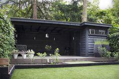 Bekijk onze gerealiseerde buitenverblijven van o.a. tuinhuizen en schuren. Wij…
