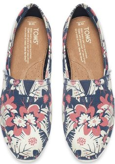 Embody the spirit of summer all year-round in our tropical printed Classics.