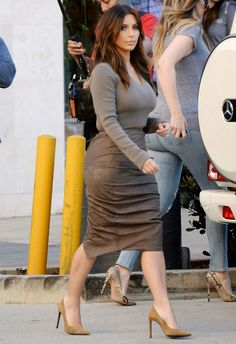 Kim Kardashian - Grey Cropped Sweater, High Waisted Beige Skirt & Suede Nude Pumps