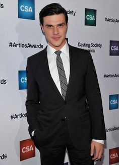 Finn Wittrock Photos Photos - Actor Finn Wittrock arrives for the Casting Society of America's 31st Annual Artios Awards at The Beverly Hilton Hotel on January 21, 2016 in Beverly Hills, California. - Casting Society of America's 31st Annual Artios Awards - Red Carpet