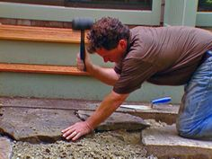 How to lay a flagstone walkway