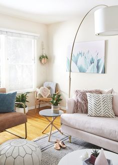 The Perfect mix of Light Pink and Warm Colors #homedecor #livingroom
