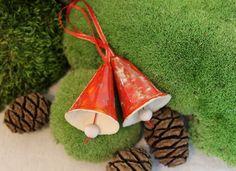 Deko und Accessoires für Weihnachten: Glocken, rot, Keramik made by karol-art via DaWanda.com