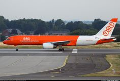 Very beautiful new livery for TNT seen for the very first time on this  Boeing 757-23APF