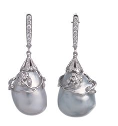 Rare baroque perls, 18 carat white gold and diamonds, one of a kind to see at The Art of Lilly Zeligman