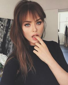 Gorgeous And Cute Wispy Bangs Styles You Should Try; Cute Bangs And Buns Styles; Hairstyles With Bangs, Pretty Hairstyles, Girl Hairstyles, Hairstyle Ideas, Bangs Hairstyle, Hair Inspo, Hair Inspiration, How To Style Bangs, Pinterest Hair