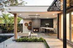 A well-formed backyard lounge design delivers the Patio Roof, Pergola Patio, Backyard Patio, Modern Backyard, Modern Pergola, Metal Pergola, Cheap Pergola, Gazebo, Lounge Design